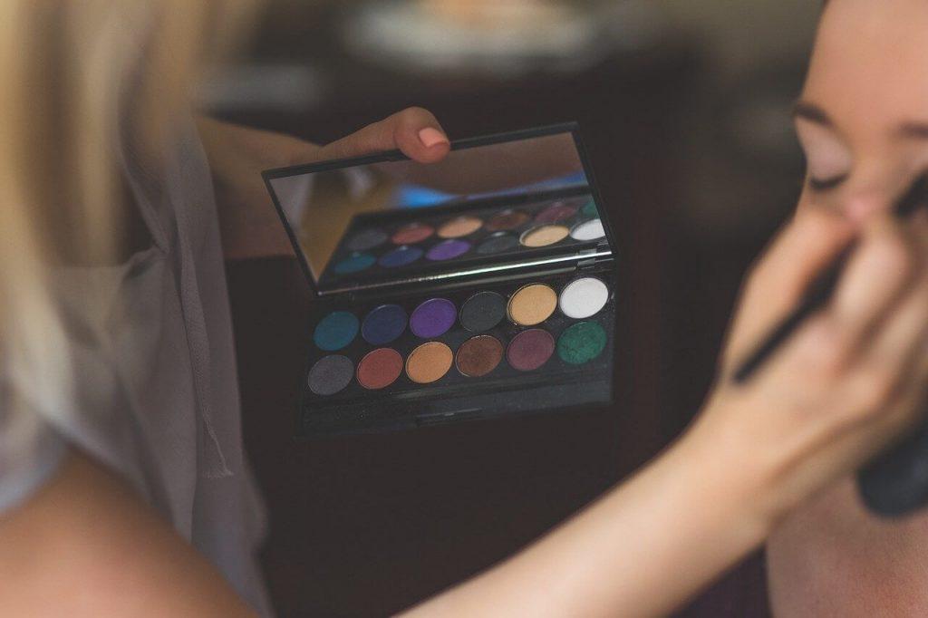 Ilustrasi makeup artist
