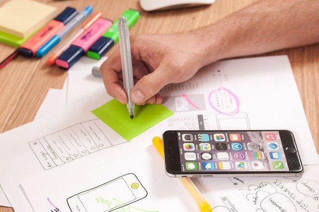membuat wireframe bisa menggunakan kertas dan pensil saja