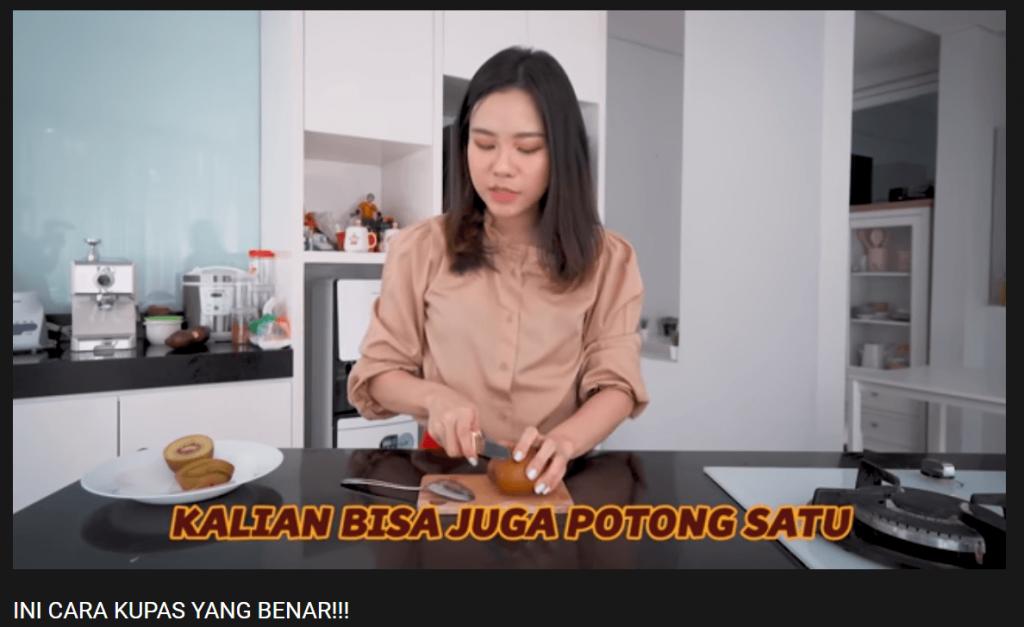 Berikan tips and trick sebagai konten vlog yang unik.