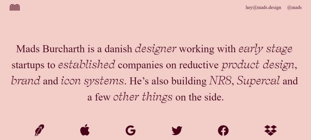 web portofolio desain dengan warna khas desainer