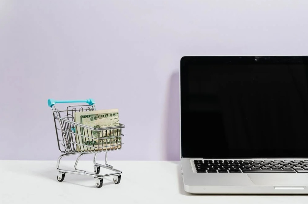 kerja online dari rumah menjadi reseller