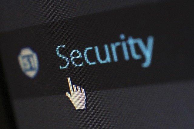 Keamanan antara cPanel vs Plesk