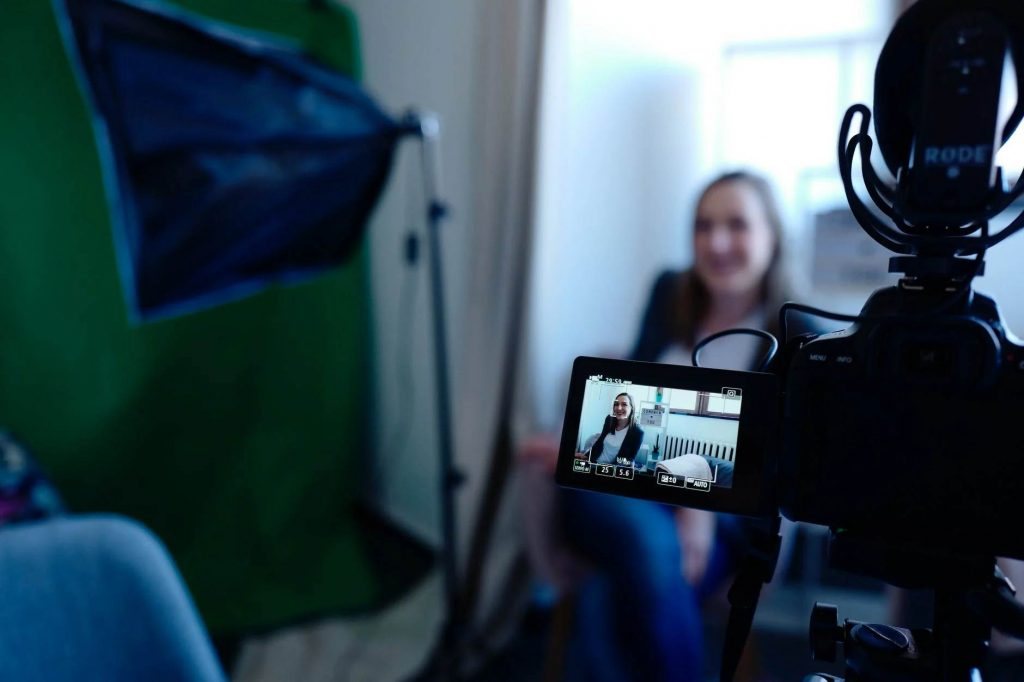 latihan take video sebagai vlogger