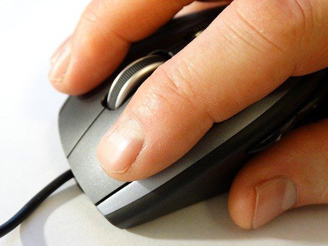 ilustrasi menggunakan mouse