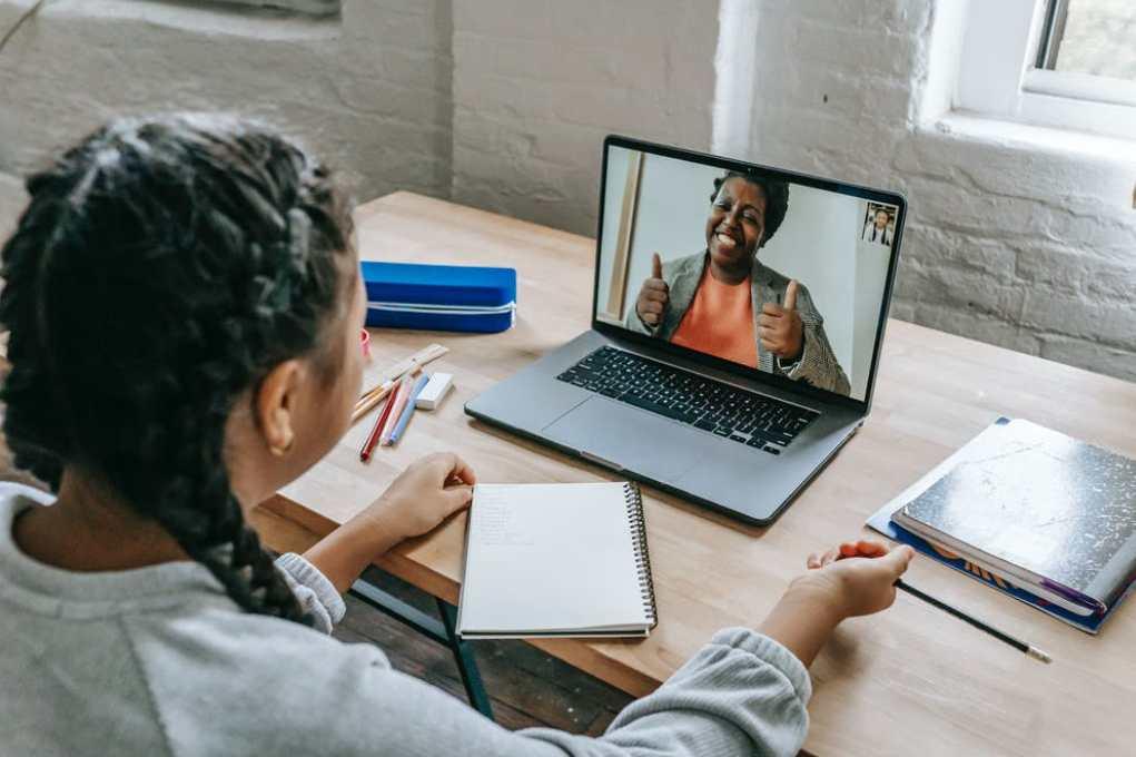 tutor online tanpa modal usaha cocok untuk anak muda